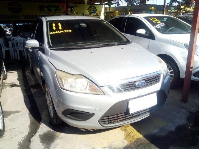 Ford Focus 1.6 Completo + Gnv ent + 48 x 530,00 1º parcela por conta da loja - Foto 2