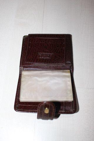 """Vendo-carteira da marca """"tonin"""" em couro legitimo na cor caramelo com metais dourado - Foto 5"""