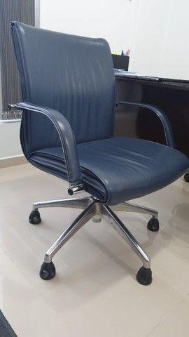 Cadeira para escritório elegante e confortável  - Foto 2