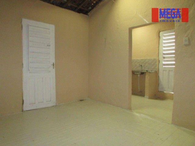 Casa com 2 quartos para alugar no Montese - Foto 6