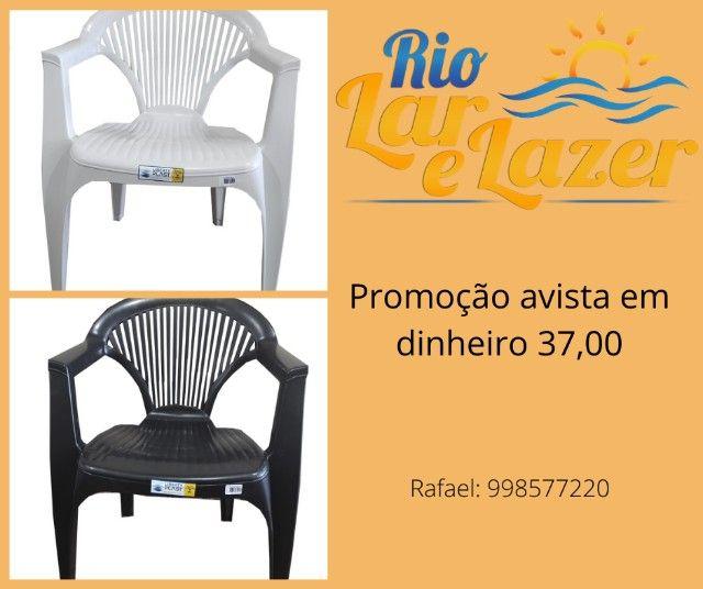 Cadeiras de plastico oferta