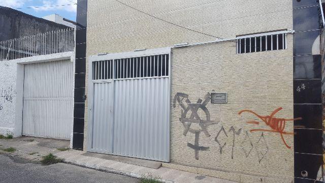 Bela Casa Próximo ao Parque do Povo - Contendo 02 Suítes no Bairro do Centro