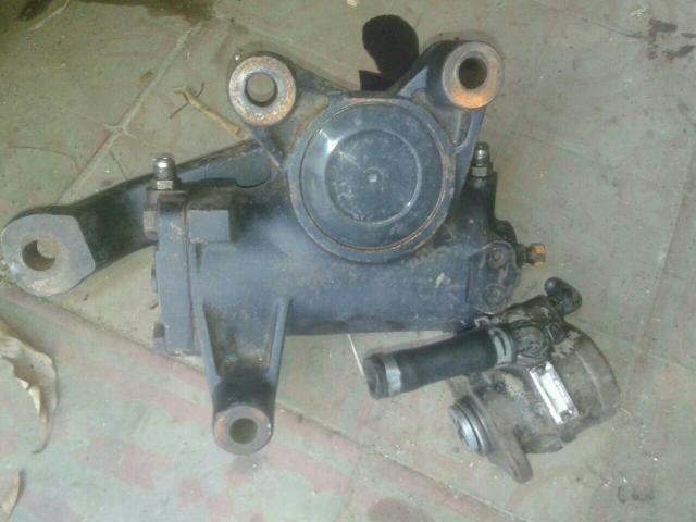 Caixa de direção hidráulica com bomba