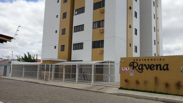 Belo Apartamento de 03 Quartos no Bairro do Catolé -Residencial Ravena