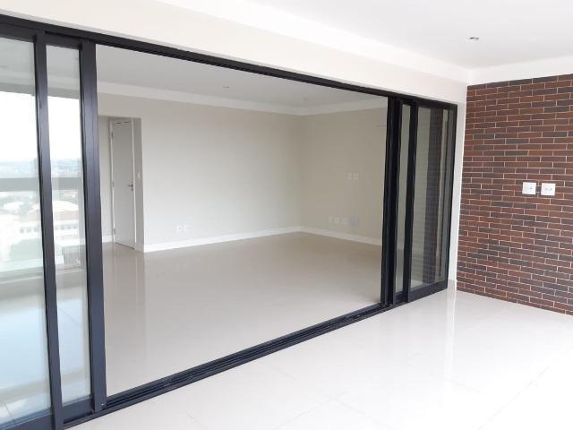 Apartamento andar alto , face sombra, no Edifício Metropolitan com 142 m² úteis, 3 suítes - Foto 3