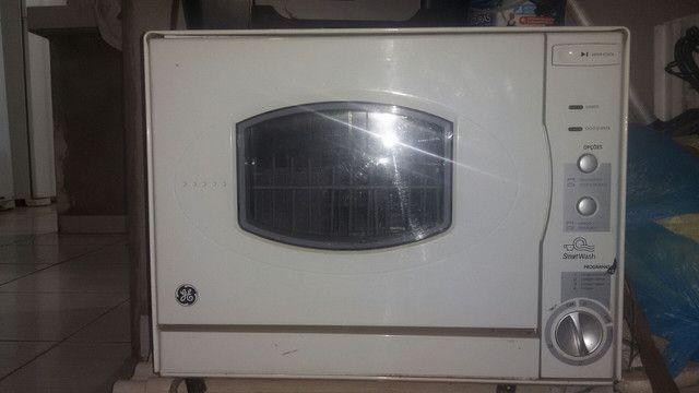 Troco uma lavadoura de louças