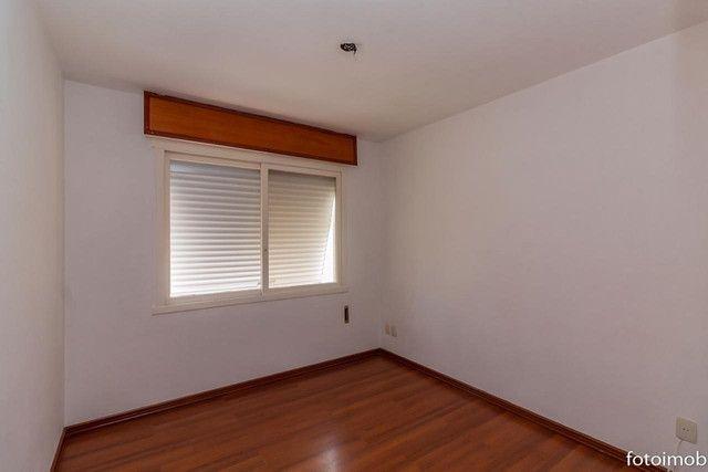 Vendo apartamento 2 dormitórios amplo e com garagem coberta no São Sebastião - Foto 15