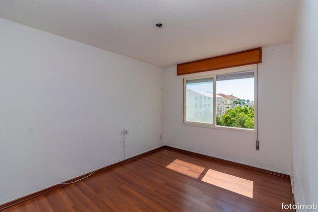 Vendo apartamento 2 dormitórios amplo e com garagem coberta no São Sebastião - Foto 13