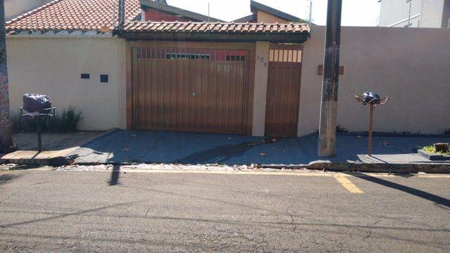 Vendo casa jd morumbi frente praça melhor bairro pra familia - Foto 3