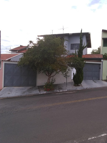 Casa Pq Jambeiro . Ótimo p/ investidor ou construtor !