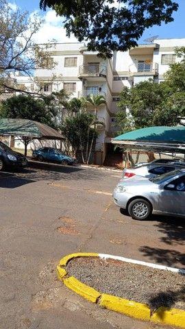 Vendo Excelente apartamento  3 quartos, Residencial Monte Castelo, Rua Pio Rojas, 348