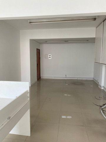 Vendo sala comercial na R. Leandro Martins nº 10