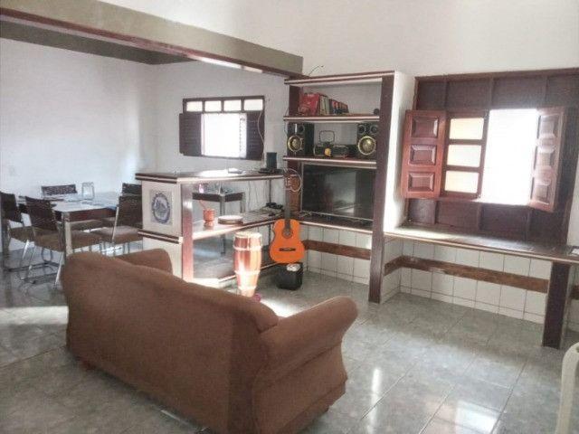 Casa nos bancários 03 quartos e 03 kitnets - Foto 3