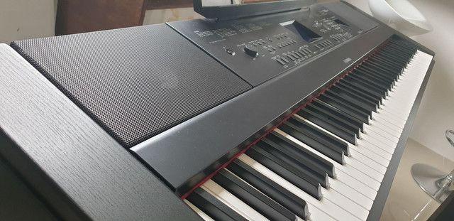 Piano Digital Yamaha DGX 660B - Foto 4