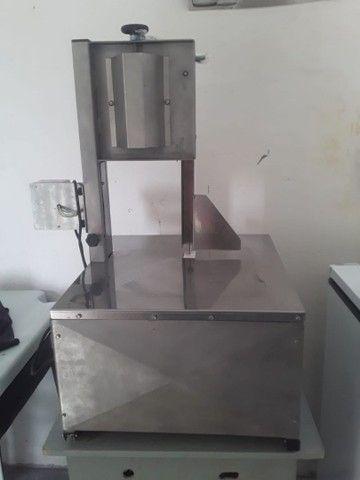 Uma serra de bancada com a balança - Foto 6