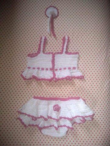 Roupinha de crochê para criança