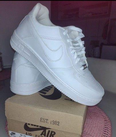 Tênis Nike AIR force 1 - Foto 2