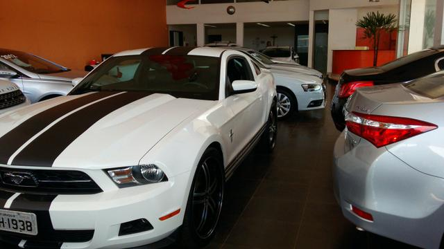 MUSTANG COUPE 2011 TOP