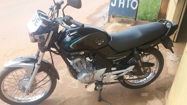 Moto YBR.