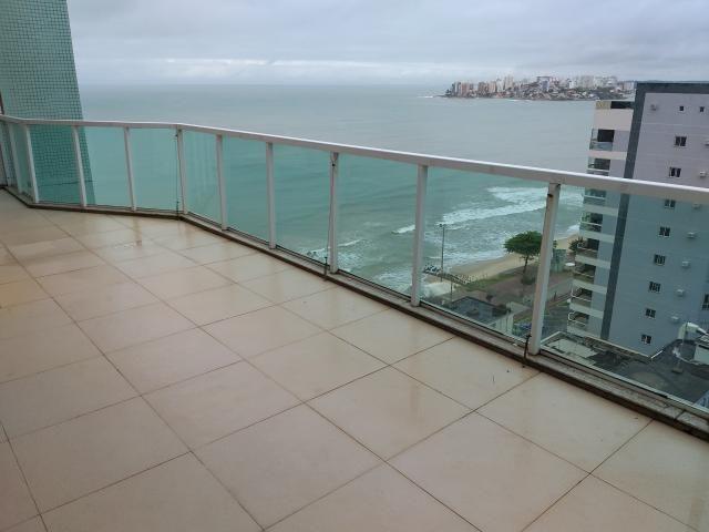 cobertura 3 quartos (1 suíte) e 3 vagas na Praia do Morro
