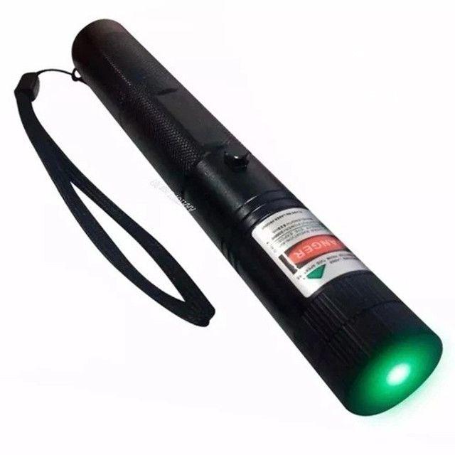 Super Caneta Laser Pointer Verde 98000mw Ultra Forte - Foto 2