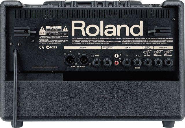 Caixa acustica Roland AC 60 usada.