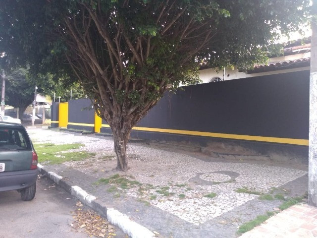 Casa De Esquina Para Comércio, Farmácia ou Prefeitura