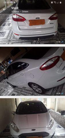 Vendo carro Fiesta automático.
