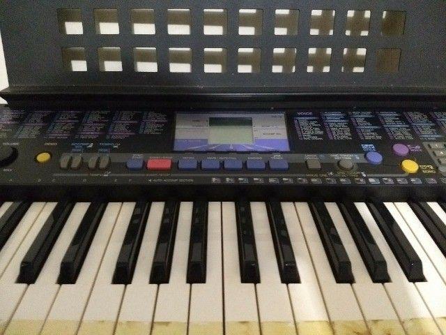 teclado yamaha modelo psr-78 em ótimo estado, com fonte e apoio para partitura. - Foto 6