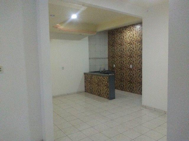 Apartamento térreo, com 3 quartos e 3 banheiros, garagem... - Foto 3