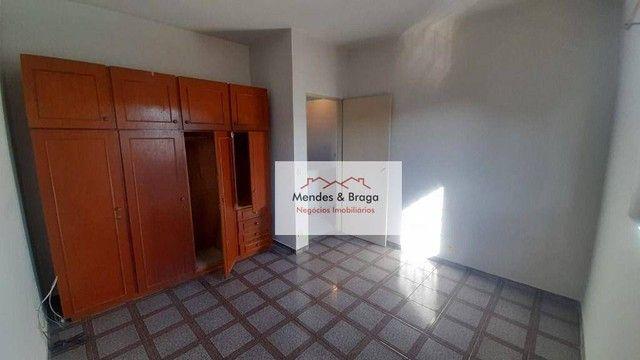 Sobrado com 4 dormitórios para alugar, 160 m² por R$ 2.500,00/mês - Cocaia - Guarulhos/SP - Foto 16