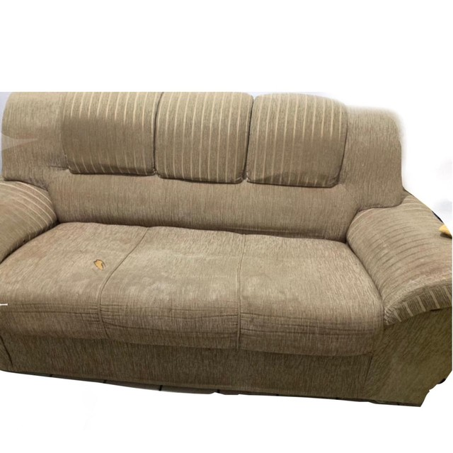 Sofás 3 e 2 lugares semi novos com almofadas  - Foto 2