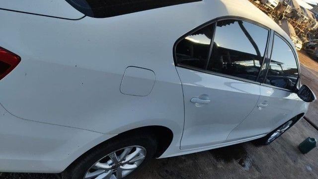 Volkswagen Jetta 2.0 TSI 2012 Batido Com Garantia Para Peças - Foto 3