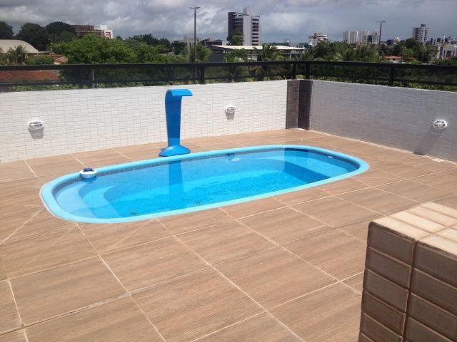 Apartamento com piscina e acabamento de luxo nos bancarios for Piscina universitaria