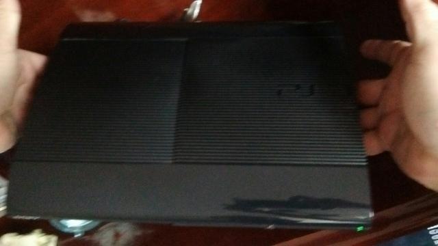 Console Ps3 250g + 2 controles originas + 12 jogos