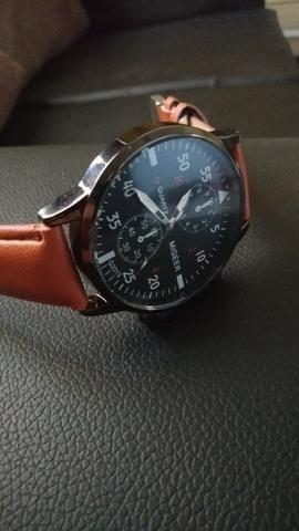 172d5c4b144 Relógio masculino luxo em couro Migeer - Bijouterias