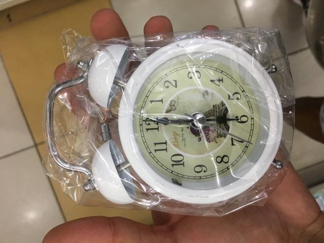 6b20be89cf1 Relógio Despertador Retrô + FRETE GRÁTIS! - Bijouterias