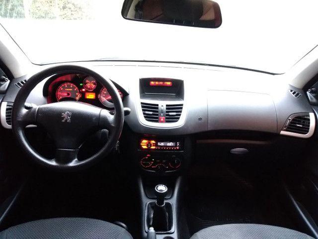 Peugeot 207 1.4 8v 2013 Excelente Estado! - Foto 10