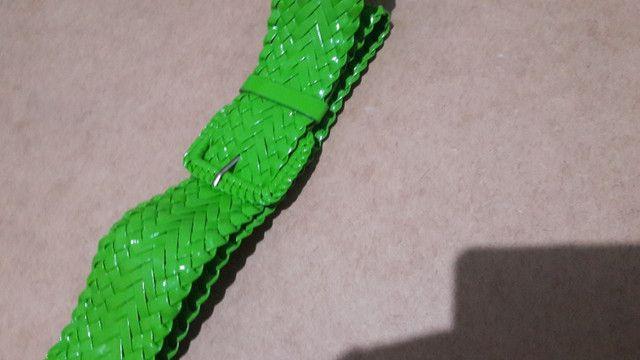 Cinto Verde de Plástico - Foto 2