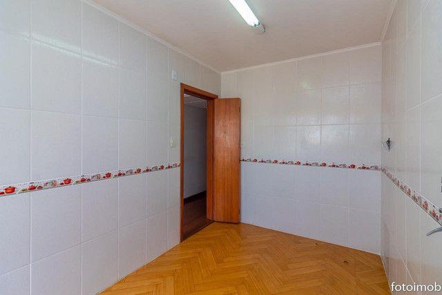 Vendo apartamento 2 dormitórios amplo e com garagem coberta no São Sebastião - Foto 4