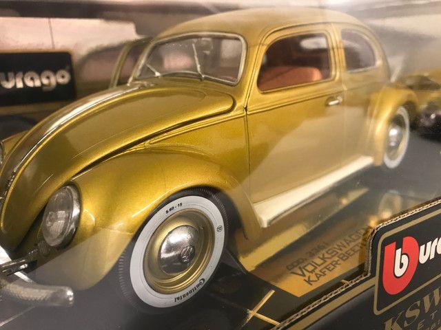 Miniatura Fusca Kafer Burago 1 18 edição especial - Foto 4