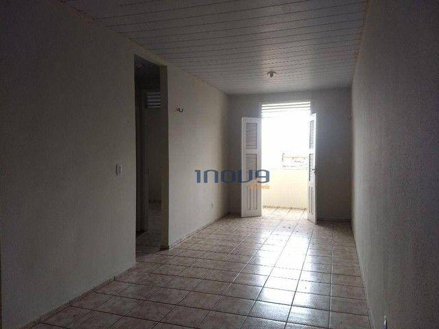 Apartamento com 2 dormitórios para alugar, 73 m² por R$ 750,00/ano - Montese - Fortaleza/C - Foto 3