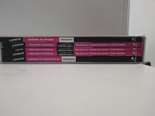 Vende-se livros didáticos bem conservados - Foto 4