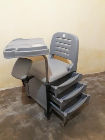 Cadeira Profissional para Manicure Dompel