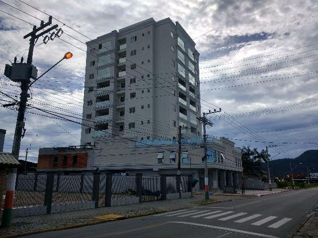 Alto Padão em Camboriú apto 2 dormitórios 350mil
