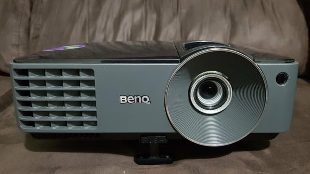 Projetor Datashow BenQ MX514PB 2700 Lumens Resolução HD XGA Home Theater