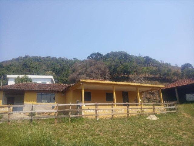 Chácara de 1 alqueire com casa e laticínio em Marmelópolis