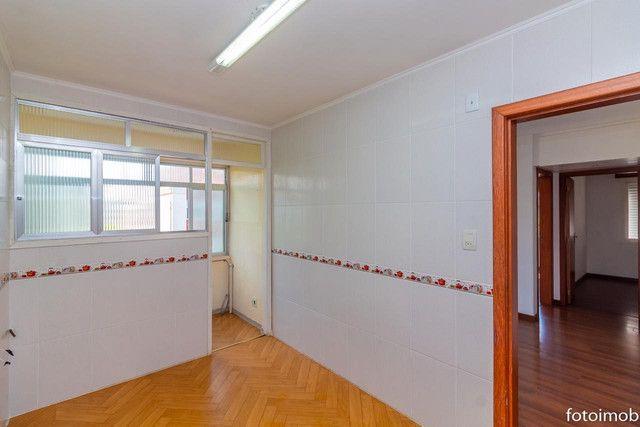 Vendo apartamento 2 dormitórios amplo e com garagem coberta no São Sebastião - Foto 8