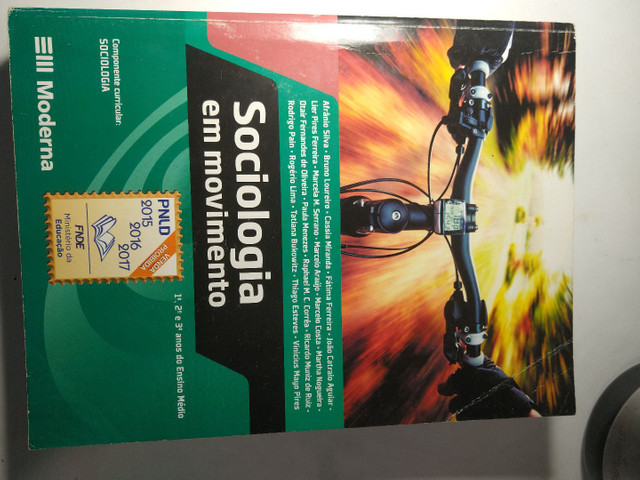 Vende-se livros didáticos bem conservados - Foto 2