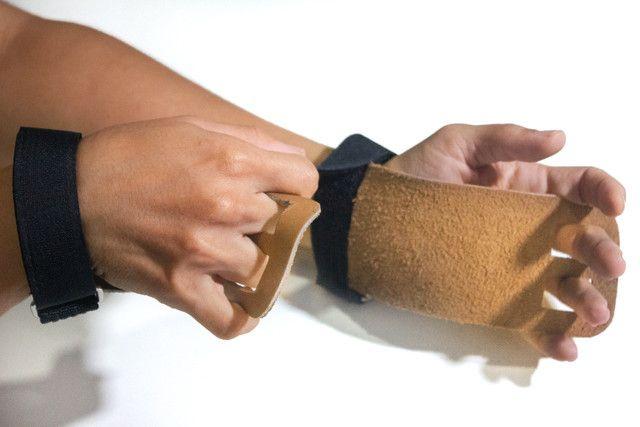 Grip CrossFit de couro reforçado - Foto 4